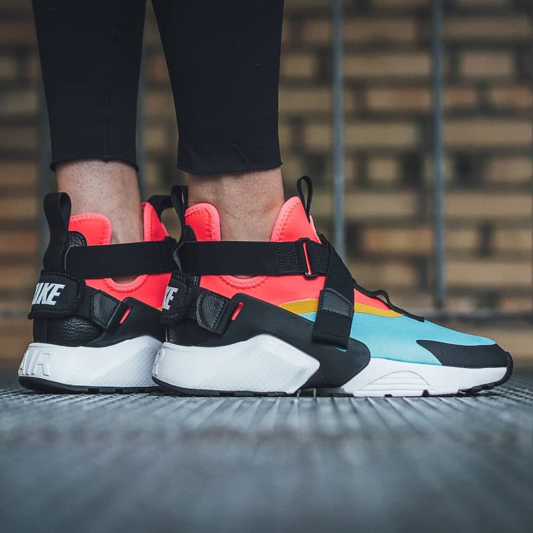 nike huarache city red