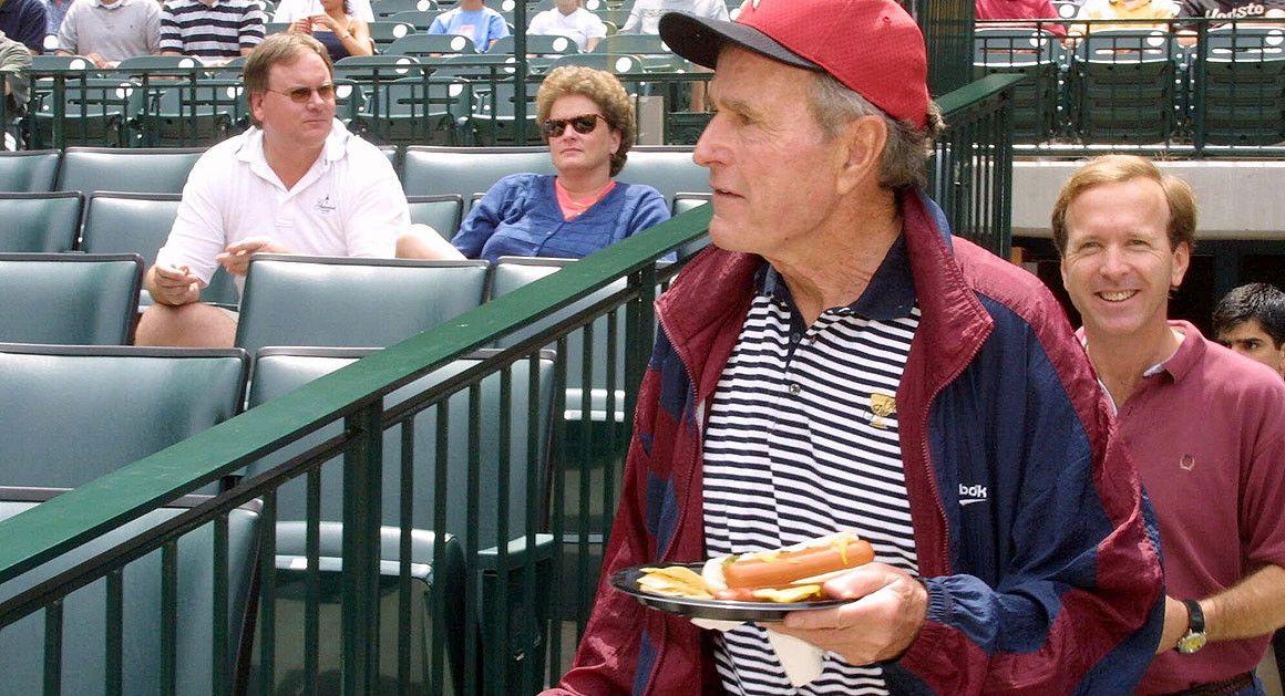 gorge bush hot dog