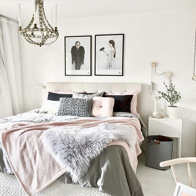 Happy weekend friends! Lovely bedroom inspo from the divine home of - moderne hocker für schlafzimmer