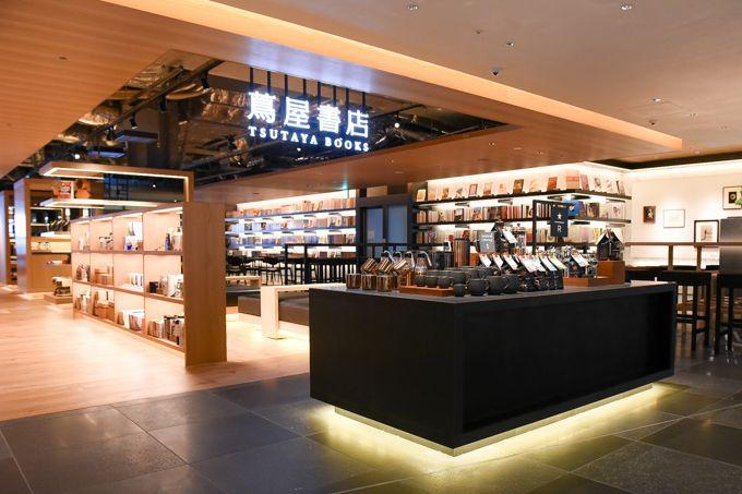 銀座 蔦屋書店が、スターバックス コーヒー(Starbucks Coffee)を併設し、銀座エリア最大の商業施設「ギンザ シックス(GINZA SIX)」に2017年4月20日(木)オープン。ファッシ...