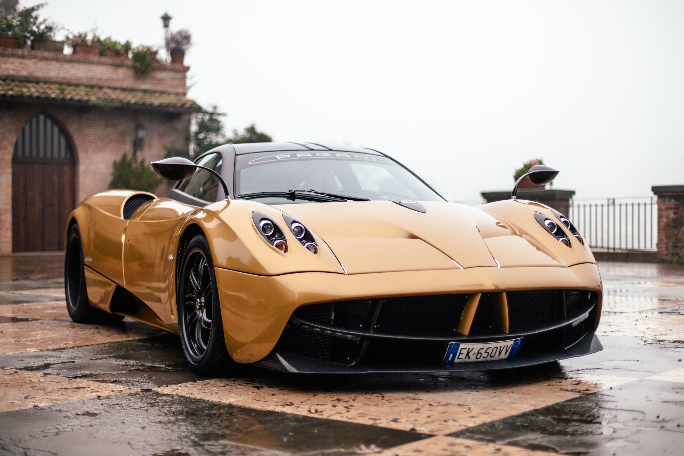 Genial Beau Top 10 Most Expensive Cars In The World In 2017 | Pagani Huayra,  Expensive