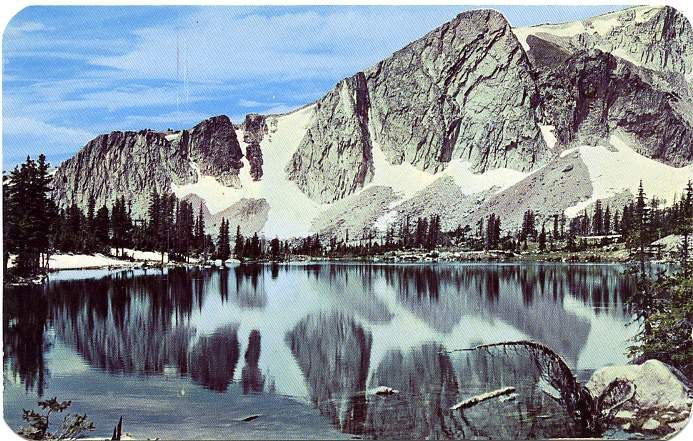 Mirror Lake In Medicine Bow National Forest In Wyoming Beautiful - Mountain ranges in wyoming