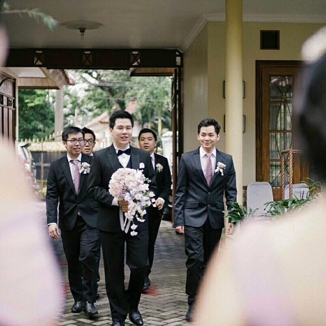 Mr.Yoki & Mrs.Kristi  Konsultasi WhatApss 085890009020 #weddingdress #groomsuits#groom#bride #couple #romantic #thebridestory #weddingideas #weddinginspiration #theknot #instawedding #weddingphoto #engaged #brideandgroom #weddinginspo #weddingstyle #ido#instabride #indonesianbrides #weddingdecorjakarta #weddingcakejakarta #bridaljakarta  #weddingdress #bridestoryvendor #weddingku #bridestoryjakarta #jaspengantin @katyaisabell #yokikristiwedding #yokikitty…