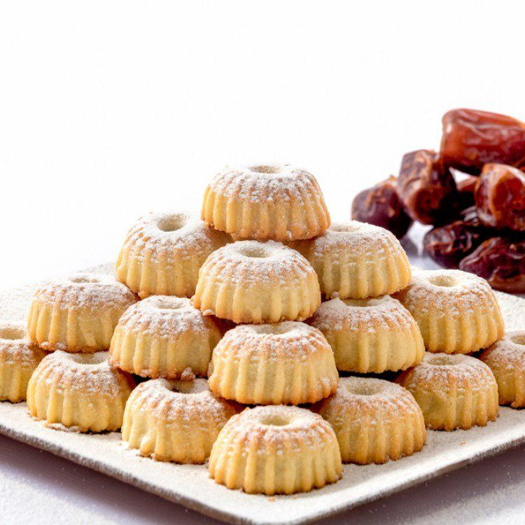 طريقة عمل معمول التمر الهش حلويات Food Arabic Dessert Arabic Sweets Recipes