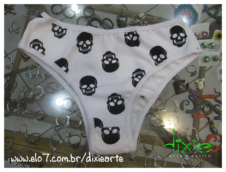 6876f6192 Calçinha Caveirinhas www.elo7.com.br dixiearte Calcinha Branca