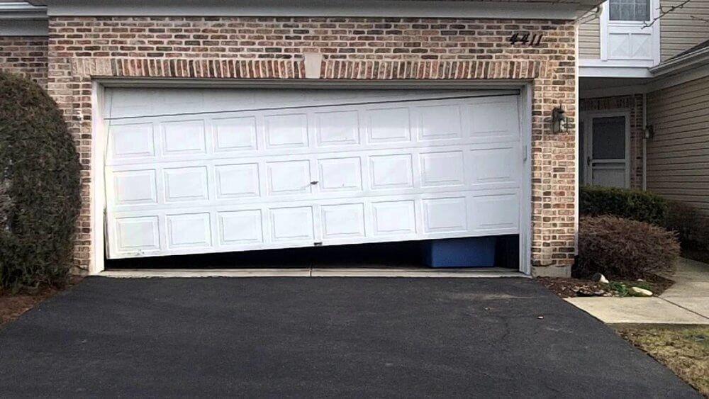 Know The Task For Garage Door Maintenance To The Best Service In 2020 Door Repair Garage Doors Garage Door Repair Spring