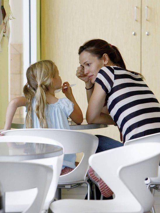 Jennifer Garner having ice cream bonding with daughter Violet.