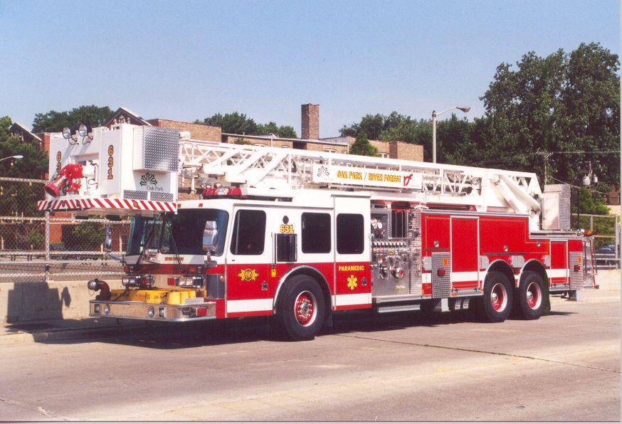 Ladder 631 in OakPark Fire department, Paramedic, Trucks