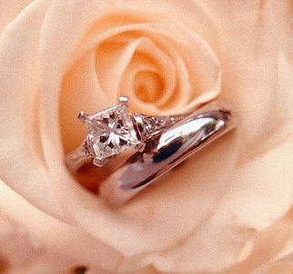 Such a delicate way to display your rings.