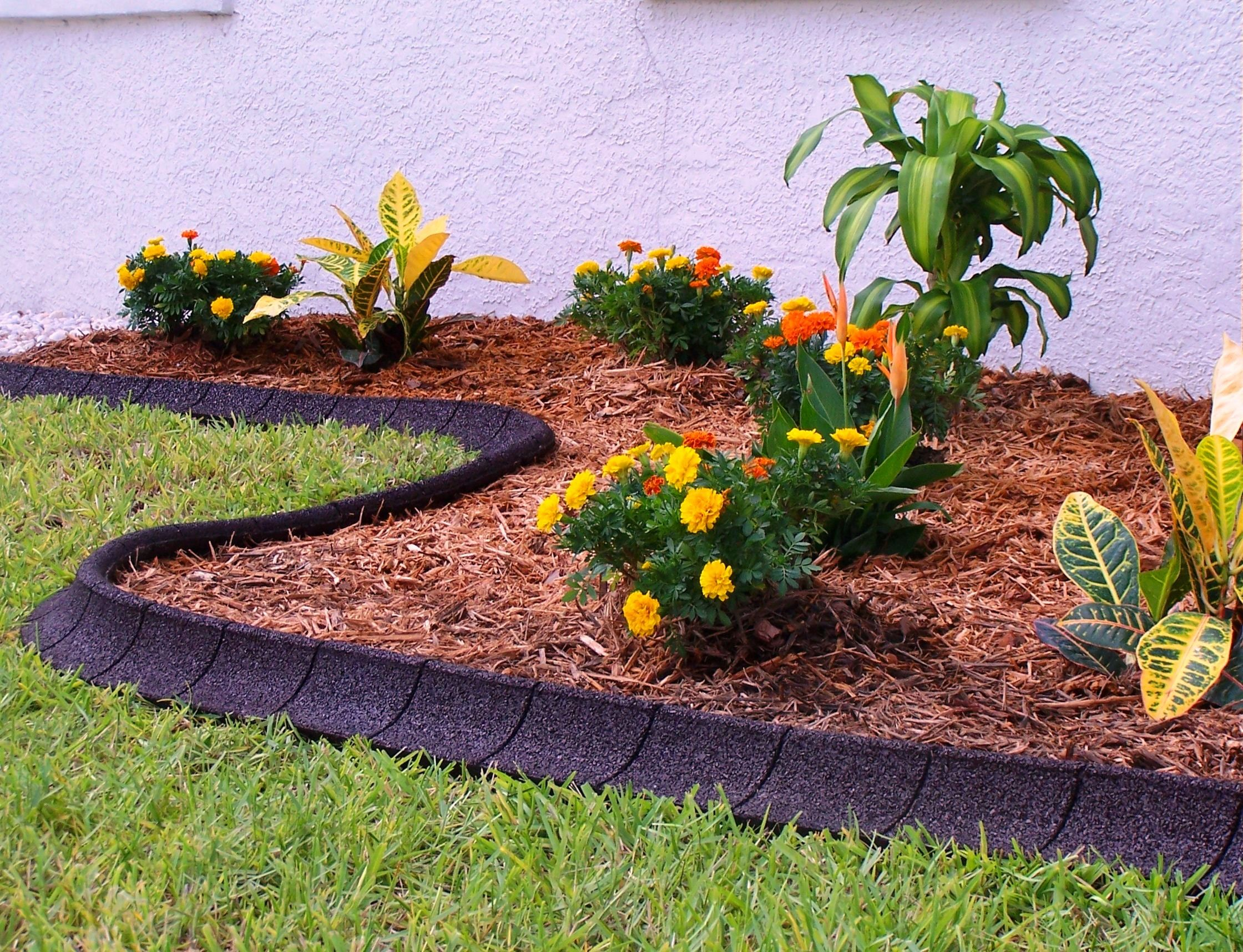 The Ecoborder Curb Will Look Amazing In Any Landscape