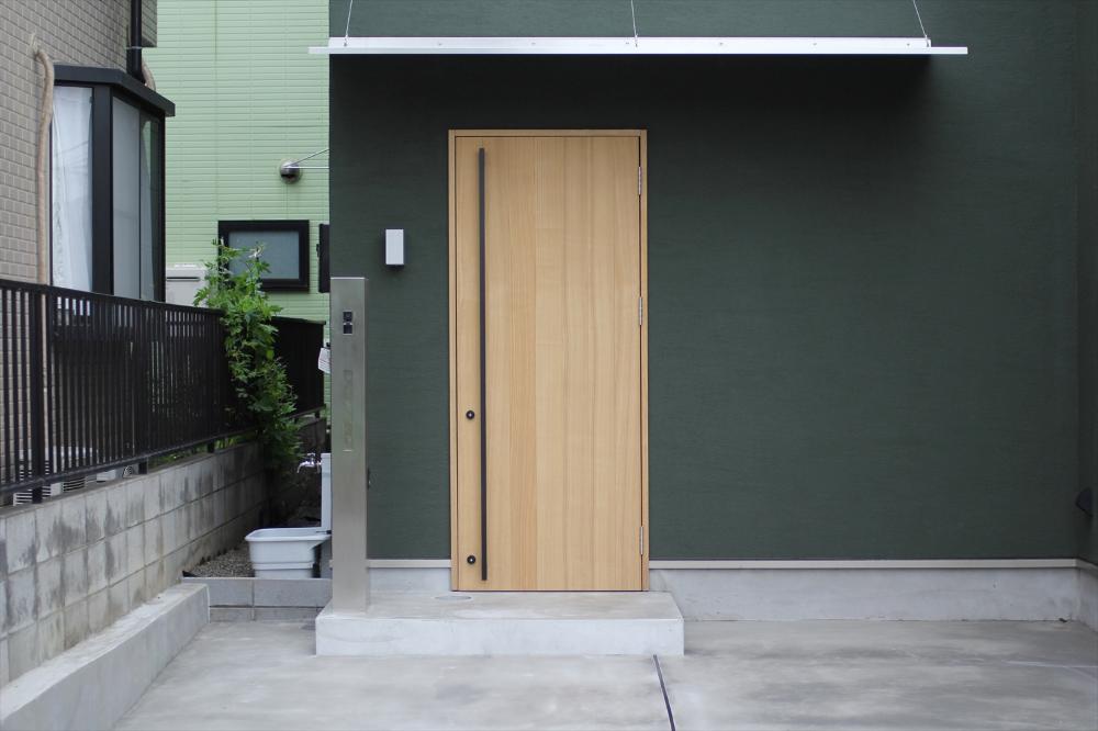 実用性とデザイン性を兼ね備えた玄関まわり 玄関 玄関まわり 玄関ドア