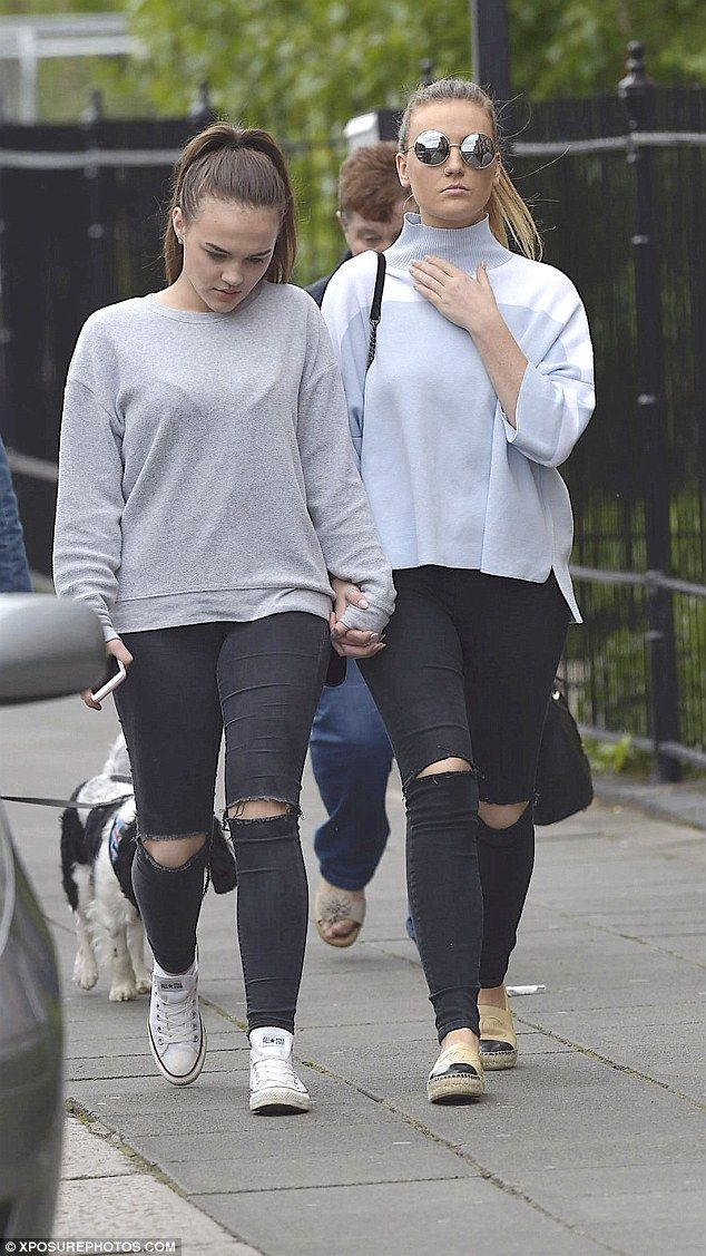 7e08d4c5a45 Perrie Edwards flaunts her impeccable abs in a crop-top