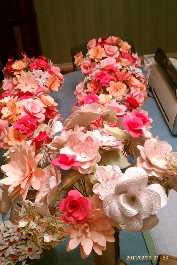 Wedding Flowers Made With Cricut Paper Flowers Paper Flowers