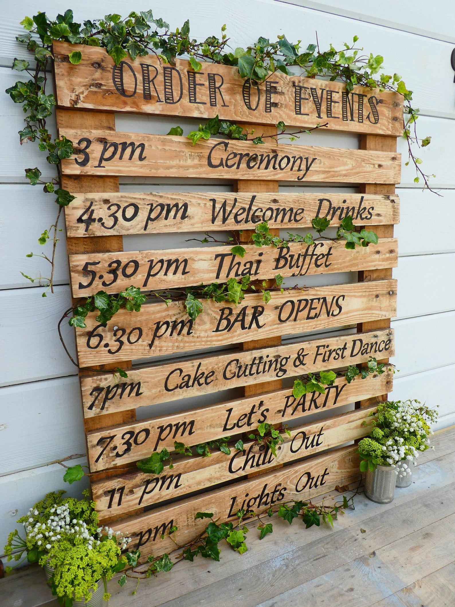 Hand Painted Rustic Personalised Order Of The Day Etsy Order Of The Day Wedding Pallet Wedding Wood Pallet Signs