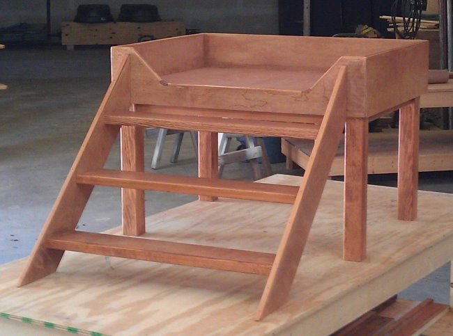 A Custom Designed Elevated Dog Bed Dog Beds Dog Bed Elevated