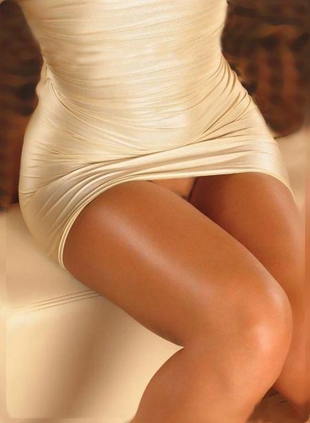 A difficult upskirt nice legs - 2 part 1