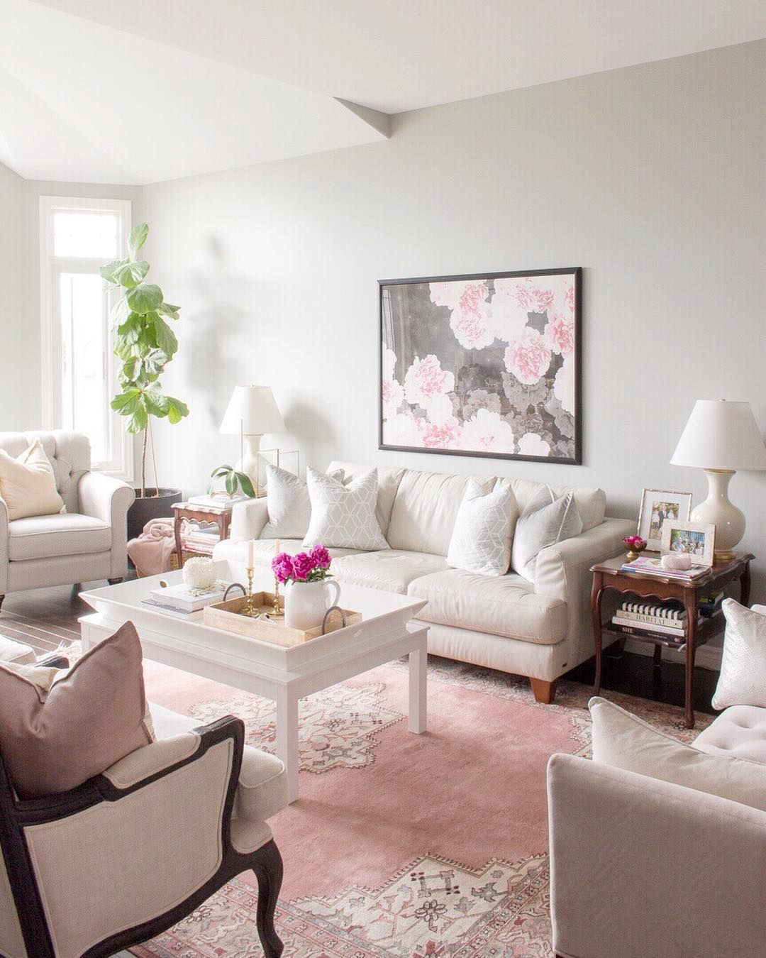 Traditional Living Room With Pink Peonies And Pink Rug Round Carpet Living Room Pink Rug Home Decor