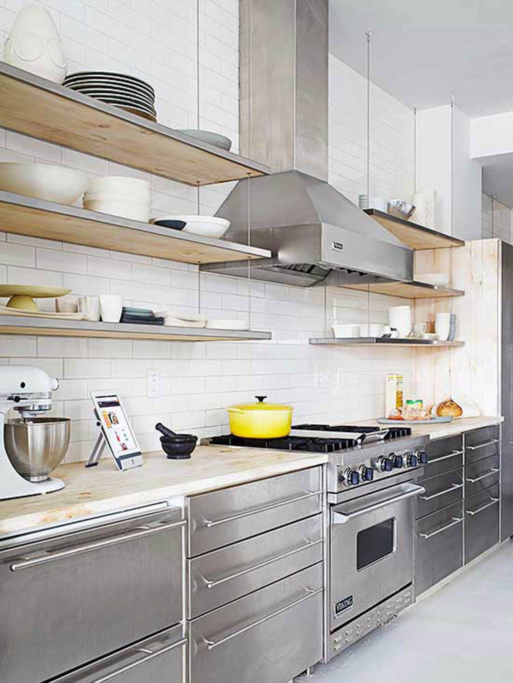 Tour a Home That Checks All Our Favorite Design Trend