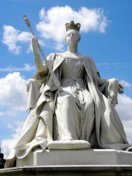 BBC - Queen Victoria statue restored to former glory