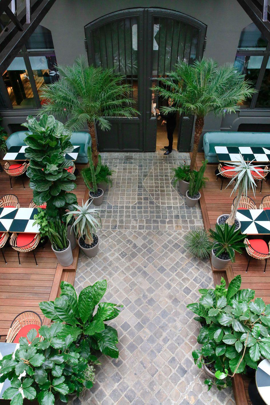 La table du club le Klay | Restaurant en plein air, Jardin café et Design de restaurant