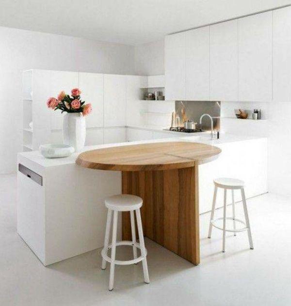 weiße-kleine-küche-einrichten-hölzerner-tisch-mit-barstühlen - kleine küche l-form