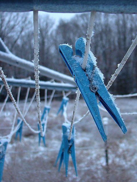 pin von ursula wimmer ballis auf winter blue clothes line und love blue. Black Bedroom Furniture Sets. Home Design Ideas