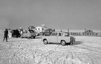 Auto Tourtocht Op Het Ijsselmeer 1963 Nederland Geschiedenis