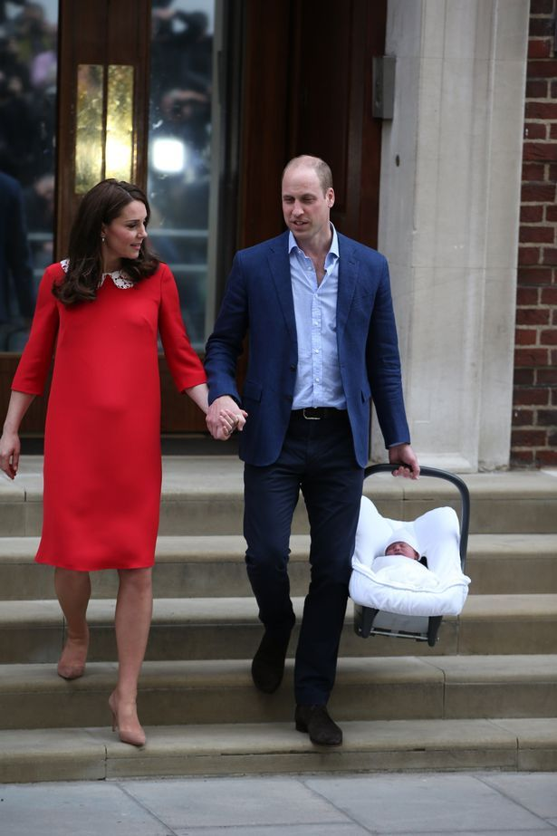 Kate shows off her new little Prince as she leaves hospital with proud  William | Mirrors online, Royal babies and Kate middleton
