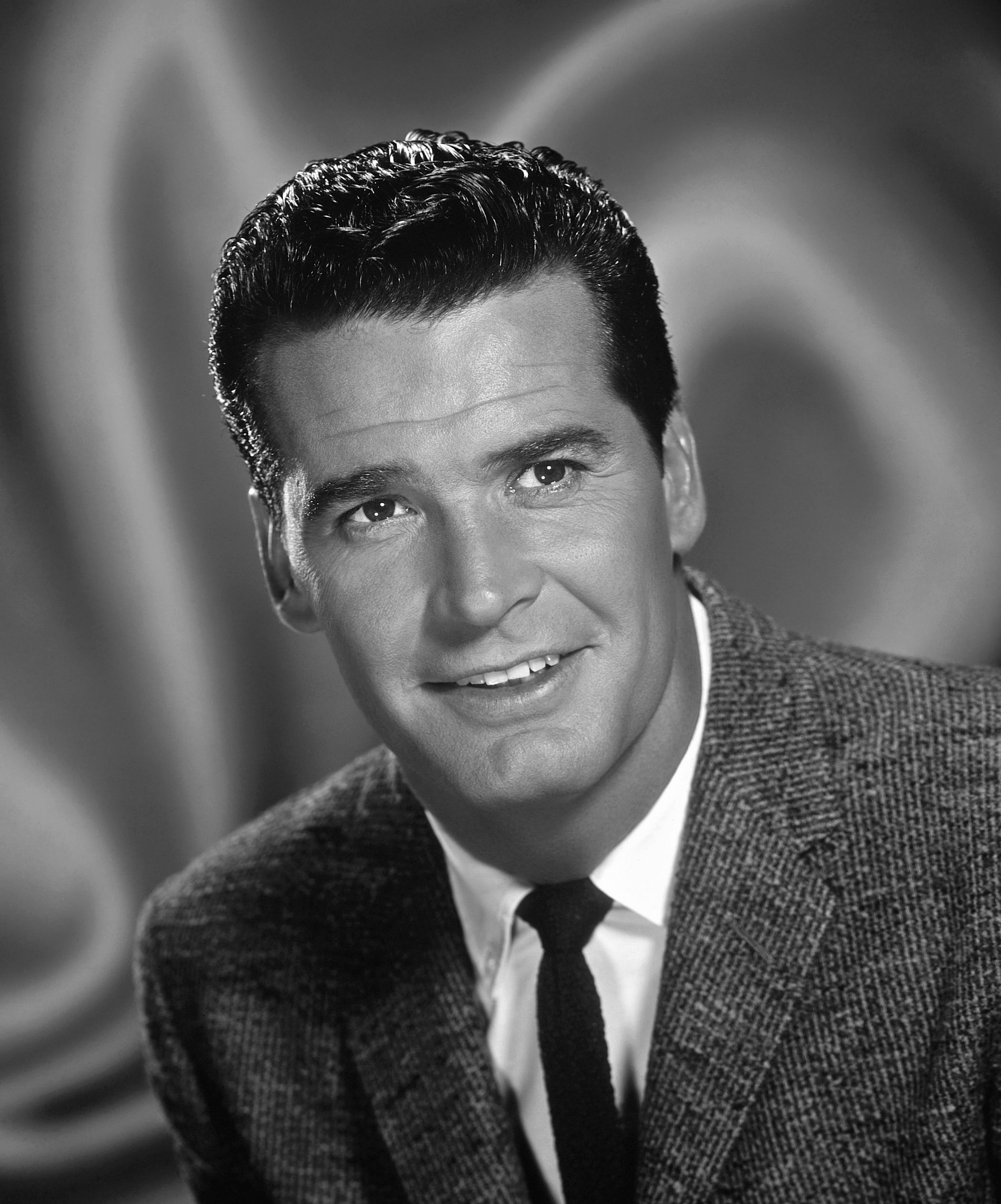 """Born James Scott Bumgarner, James Garner (07 Apr 1928"