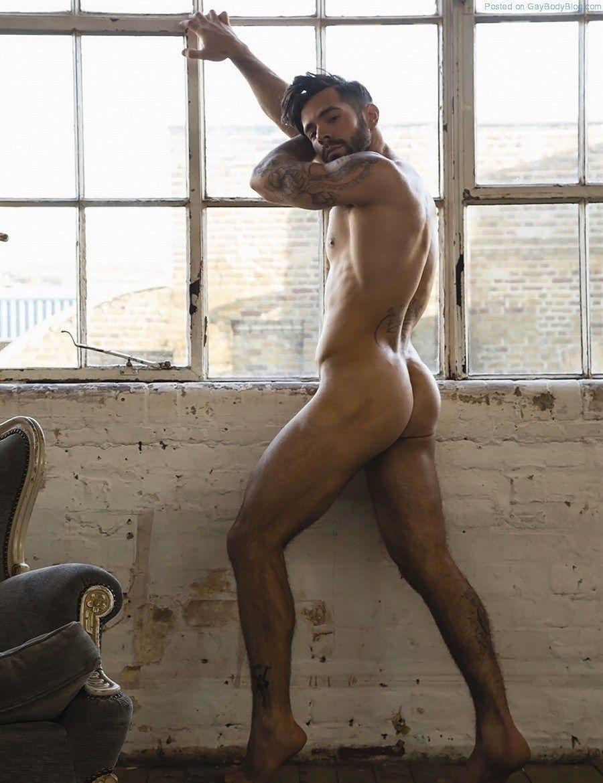 naked Charlie king