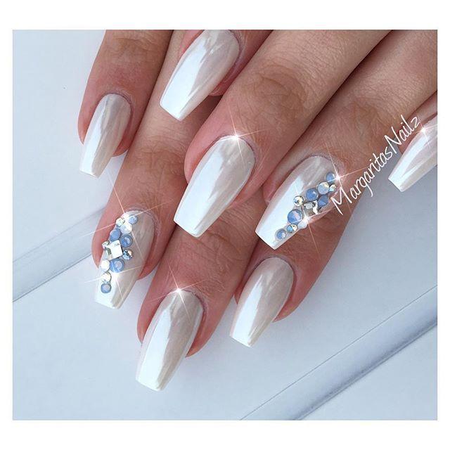 Pearl White Nails With Rhinestones White Chrome Nails Rhinestone Nails Chrome Nails