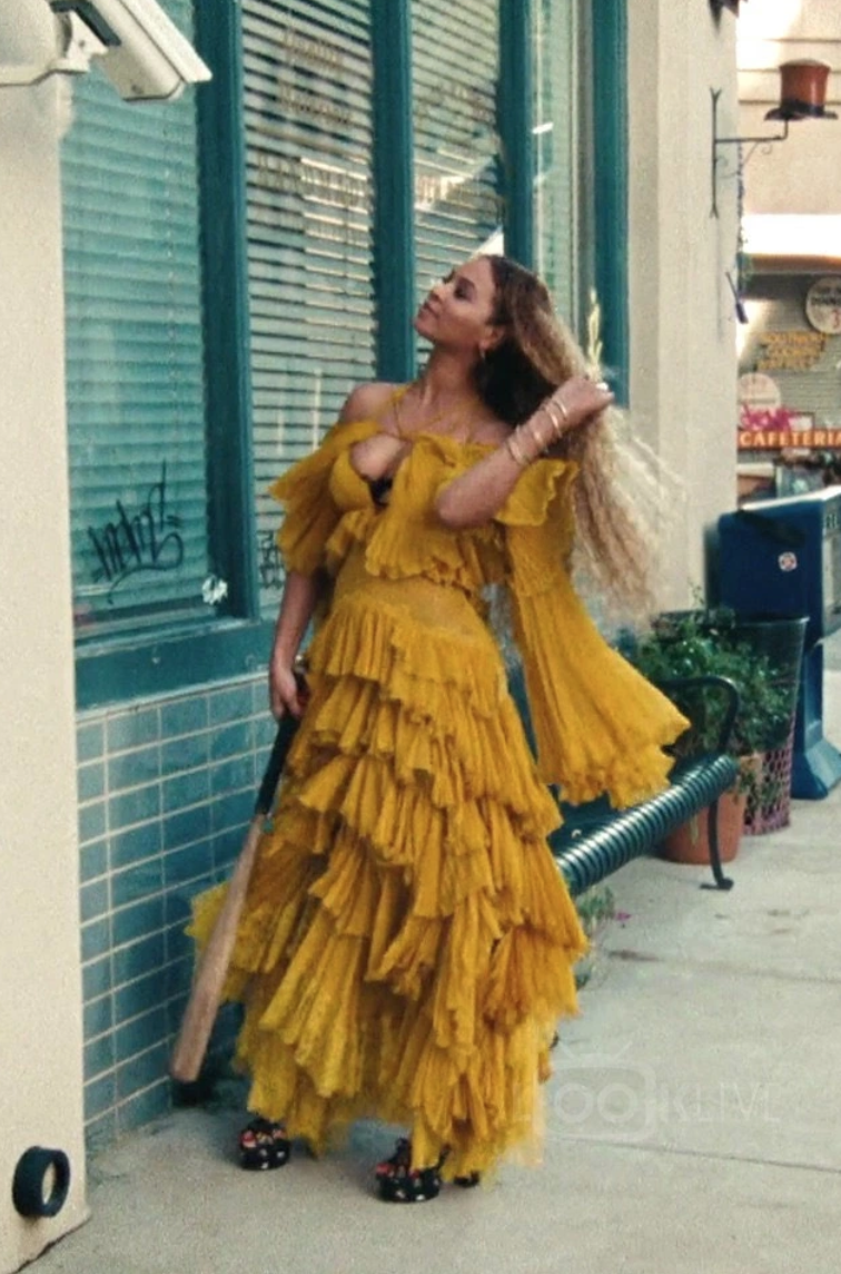 32+ Beyonce hold up dress trends