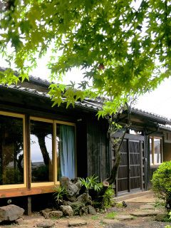 Love traditional Japanese house with modern touch!