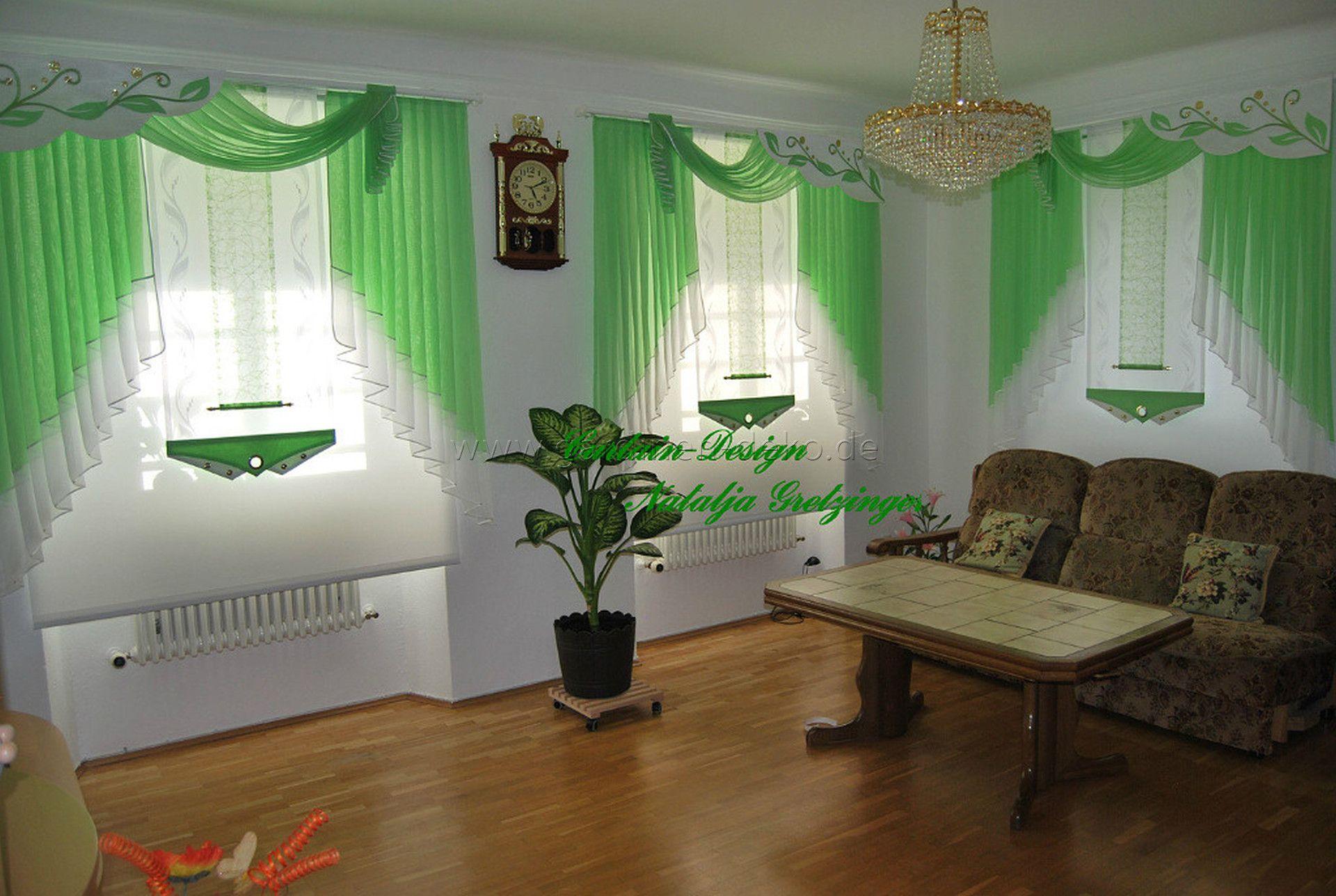 gewellter schräg-schiebevorhang mit schal in grün / wohnzimmer ... - Wohnzimmer Deko Grun
