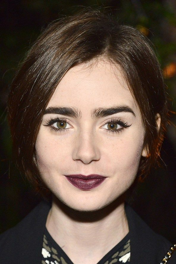 Celebrities With Thick Eyebrows Google Search Lily Collins Hair Celebrity Eyebrows Lily Collins