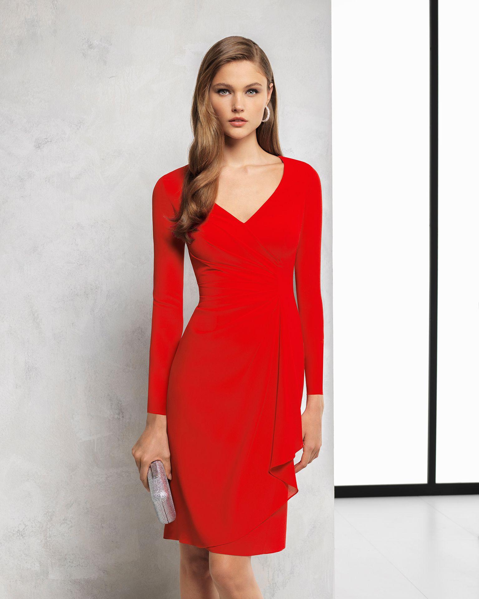 288398a2 Vestido de fiesta corto y manga francesa de georgette. Disponible en color  rojo y cobalto