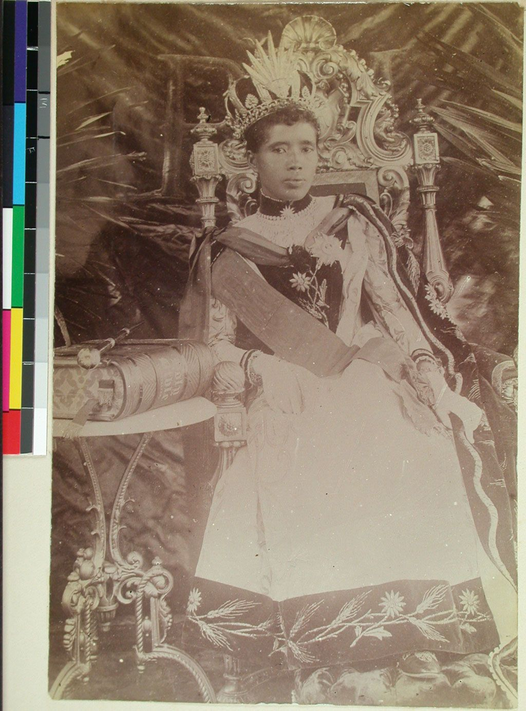 Queen Ranavalona Iii Of The Merina Family Last Ruling Monarch Of Madagascar Black Royalty African Royalty African Culture
