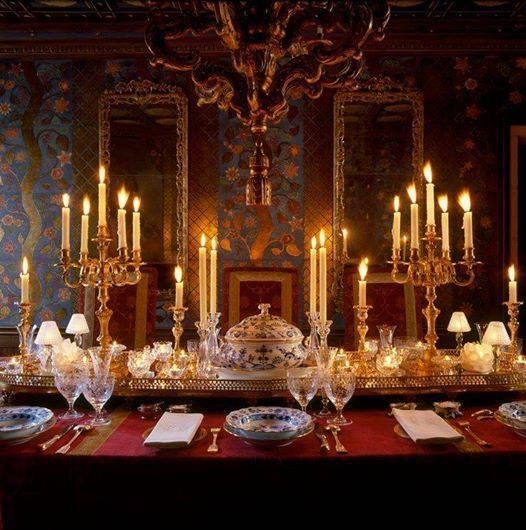Pingl par sofia peralta sur table and salon decoration - Table des marechaux fontainebleau ...