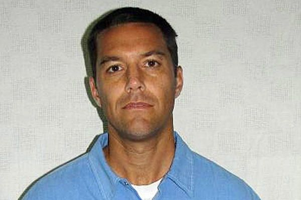 scott peterson dating Fellow inmate claims scott peterson made shocking jailhouse confession  by david thompson globe  november 4, 2003 i killed my wife--i killed the b----.
