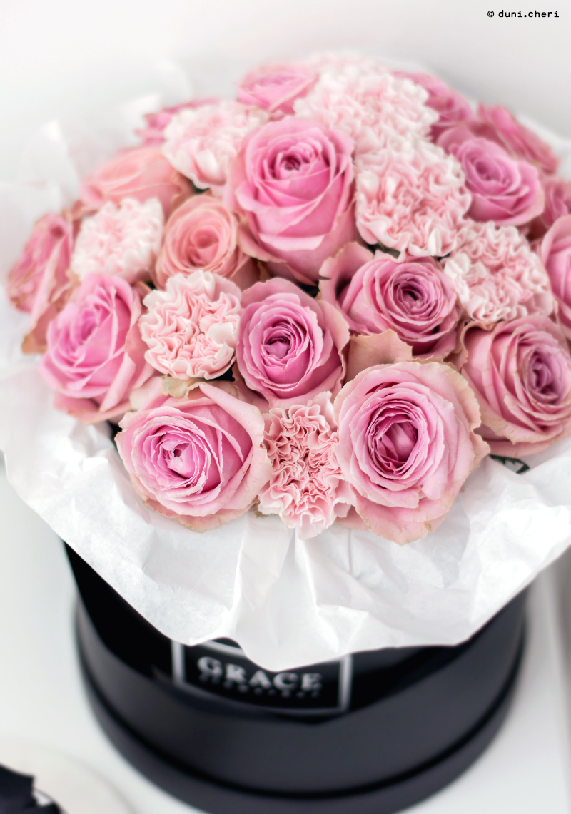 Huge black flower box with pink roses box pinterest flower huge black flower box with pink roses izmirmasajfo