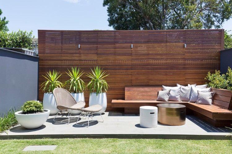D coration jardini re ext rieure en 20 id es flambant neuves copier jardin moderne - Decoration jardiniere exterieure ...