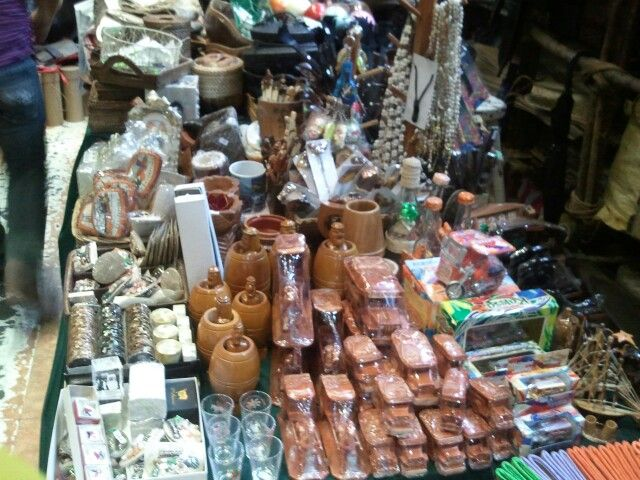 Trying To Check Out Some Filipino Souvenirs For Some