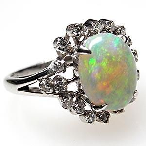 So untraditional, but I want an Opal wedding ring. Favorite stone.
