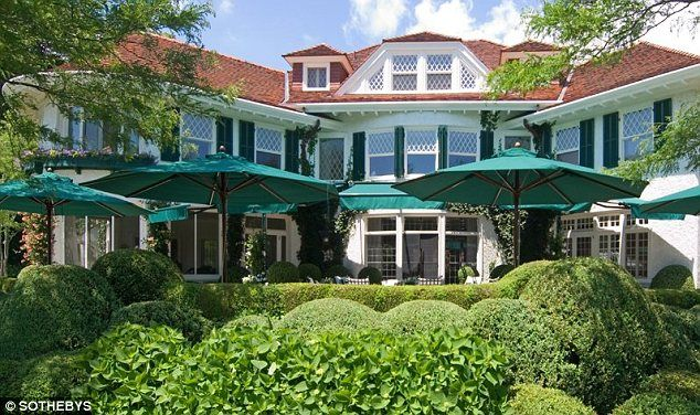 The founder of Netscape, Jim Clark, has recently purchased a nine-acre Southampton estate for 49 million dollars.The 18,000sqft home has 12 bedrooms, 12 bathrooms, three half-bathrooms and has a fountain and paddleball court.