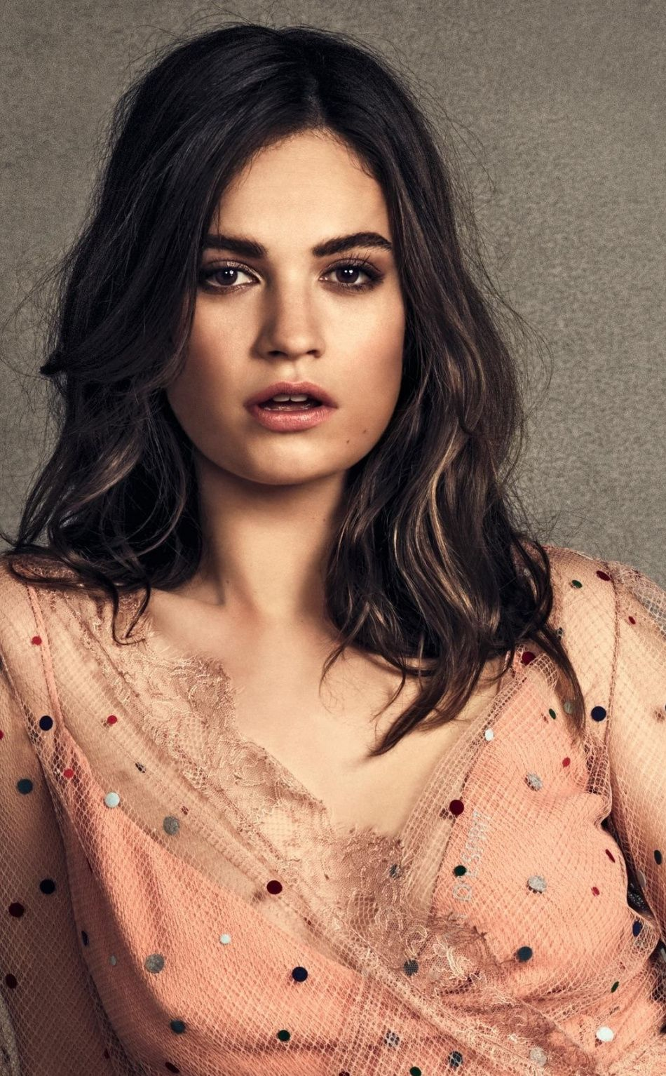 Lily James Bio Net Worth Age Height Husband Instagram Aesthetic Pastel Wallpaper Cute Wallpapers Aesthetic Iphone Wallpaper