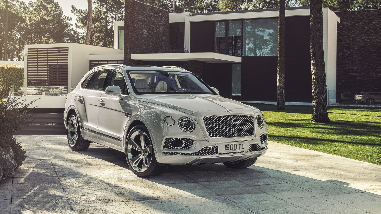 The Bentley Bentayga Hybrid Gets A New V 6 Electric Motor And 31 Miles Of Ev Range Top Speed Bentley Car Bentley New Luxury Cars