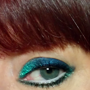kats colourings: EOTD: Blue and Green...