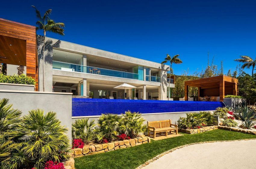 A Stunning Contemporary Property Up For Sale In Malibu Malibu