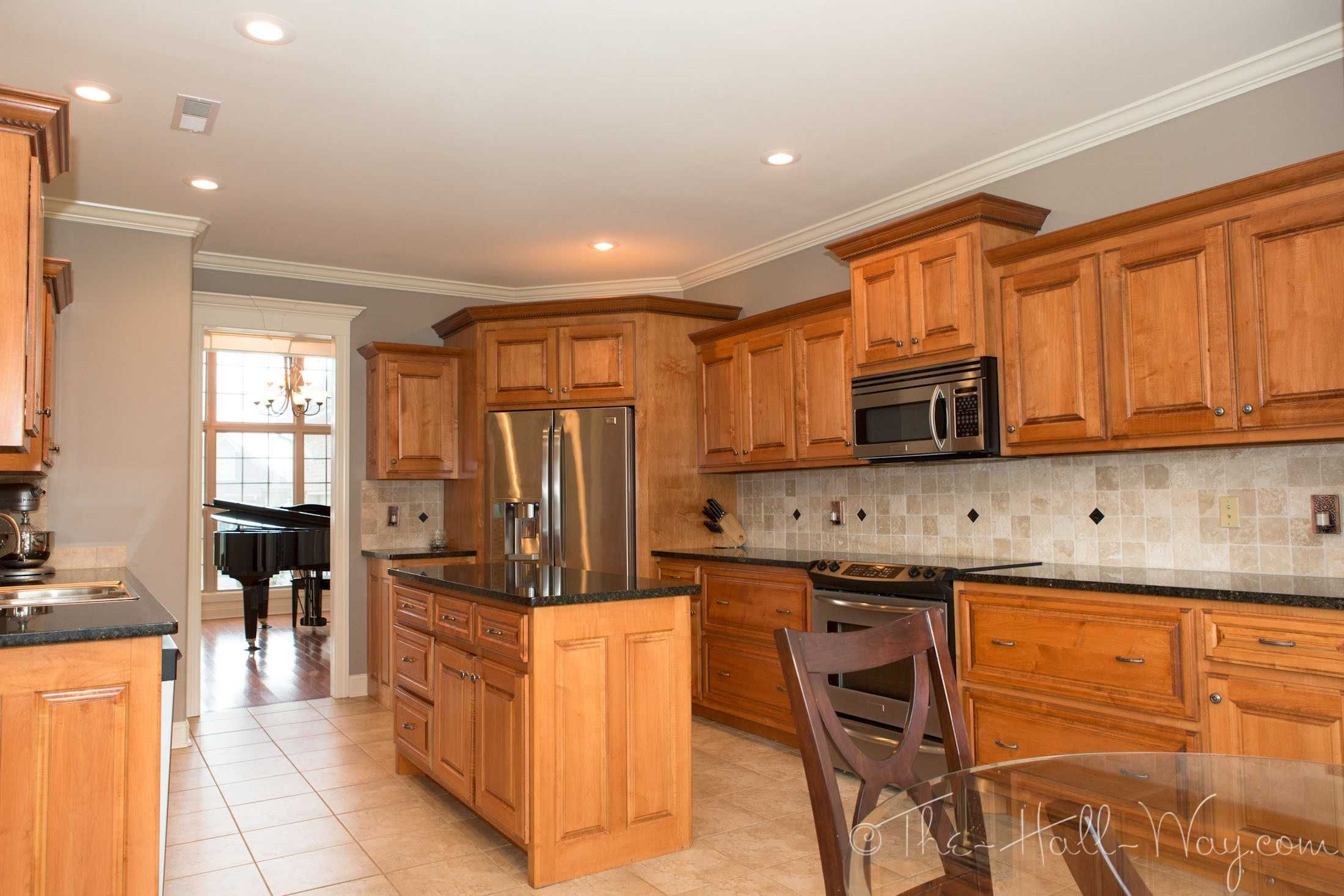 Behr Taupe Walls Maple Cabinets Ideas With Kitchen Kitchen Renovation Maple Kitchen Cabinets Taupe Kitchen
