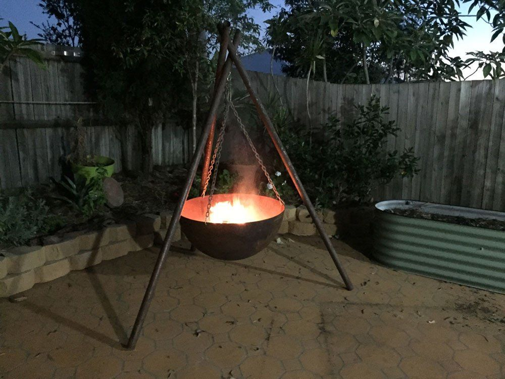 The Tripod Fire Pit Cast Iron 80cm Rust Fire Pit Fire Pit Bbq Cast Iron Fire Pit